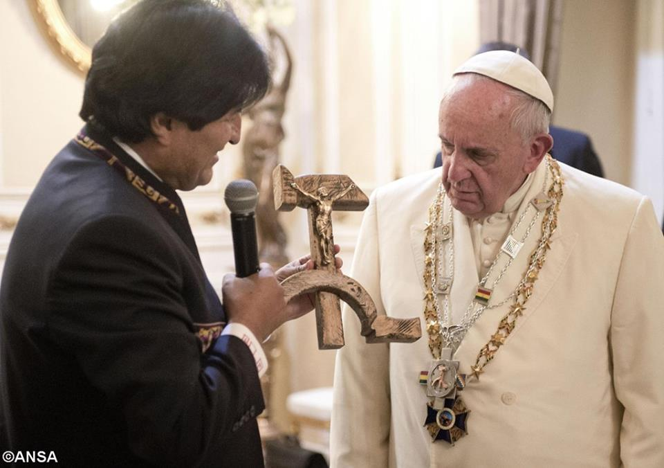 crucifixul comunist
