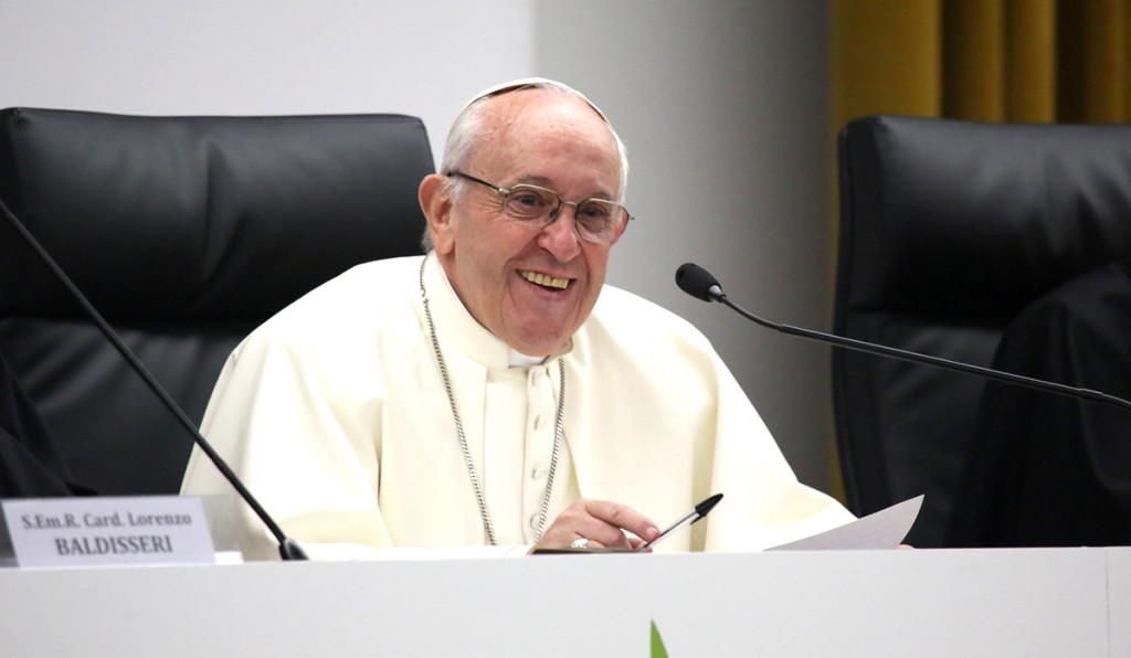 Papa_pre-sinod